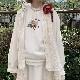 オフィーリアの花飾り刺繍入りトレーナー