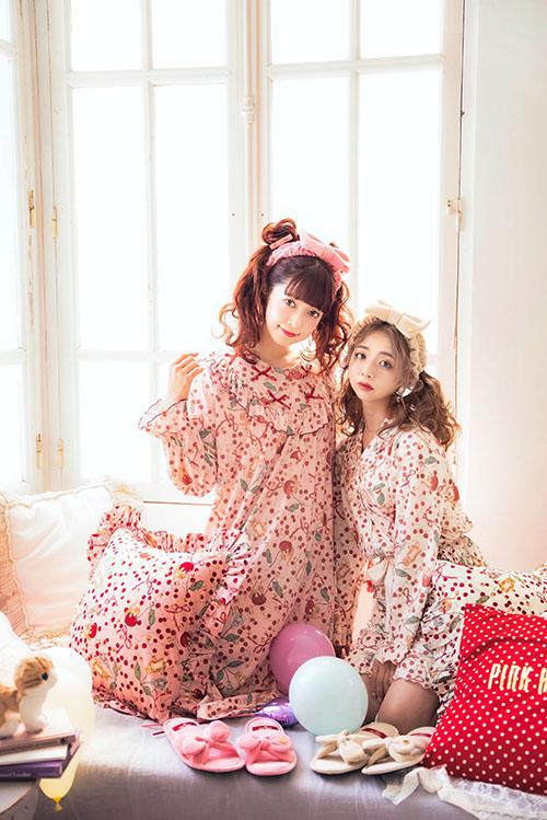 PINK HOUSE×MISAKO&ERINKOキャットチェリードロッププリントルームセットアップ