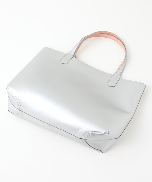 カメリアチャーム付リバーシブルエコレザートートバッグ