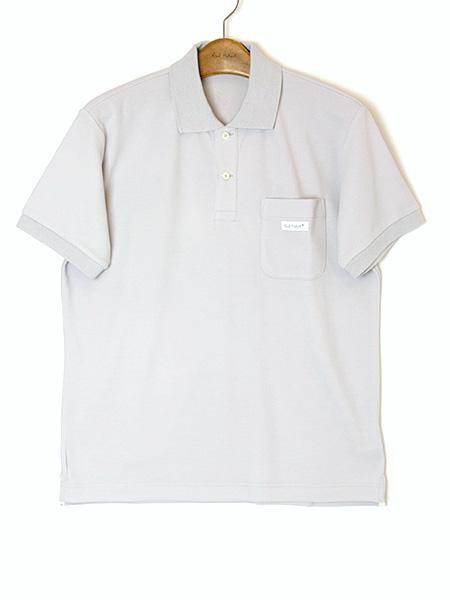 バックロゴ&ネーム使いポロシャツ