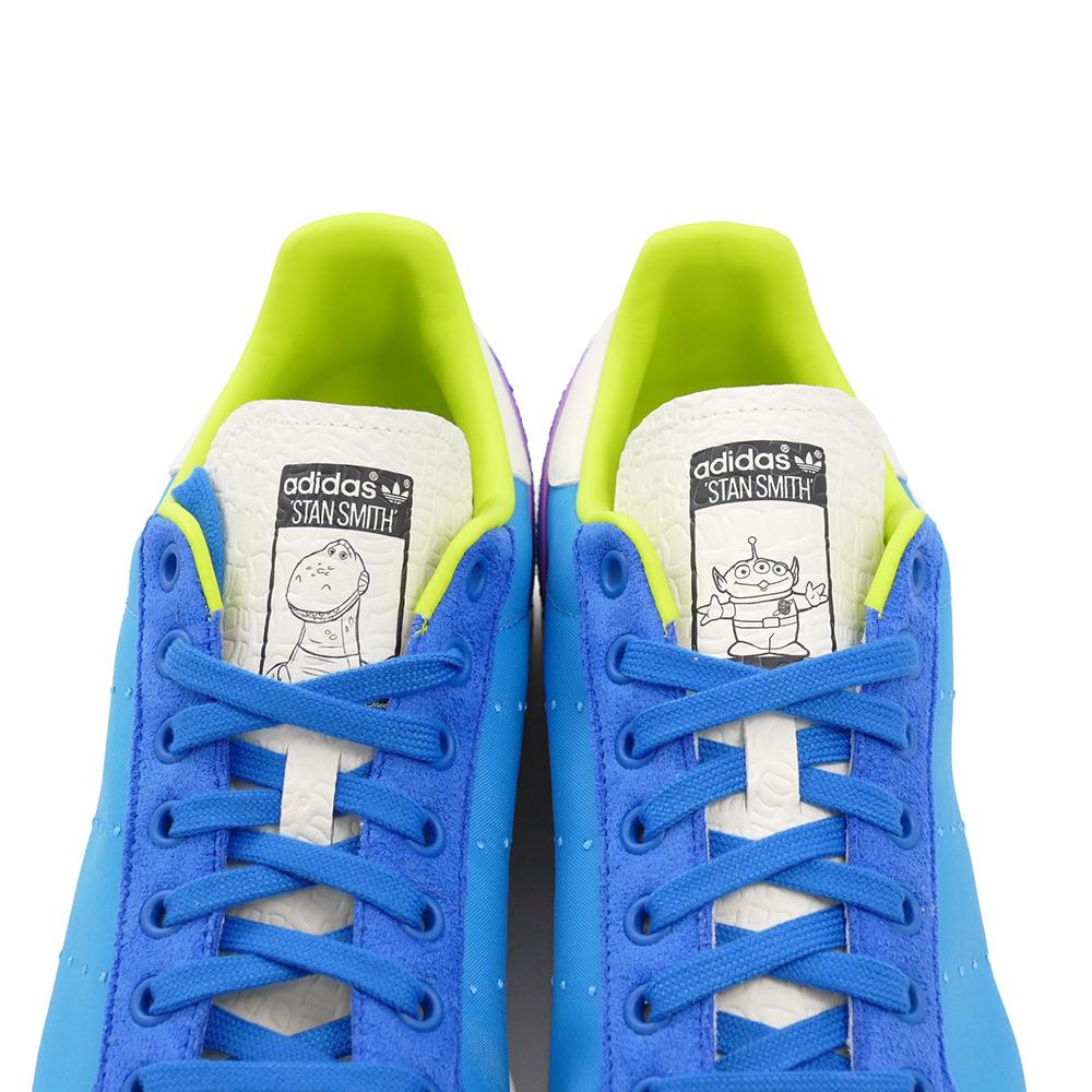 スニーカー アディダス adidas スタンスミス TOY STORY トイストーリー オフホワイト/パントーン/コアブラック 青 GZ5991 メンズ レディース シューズ 靴 21FW