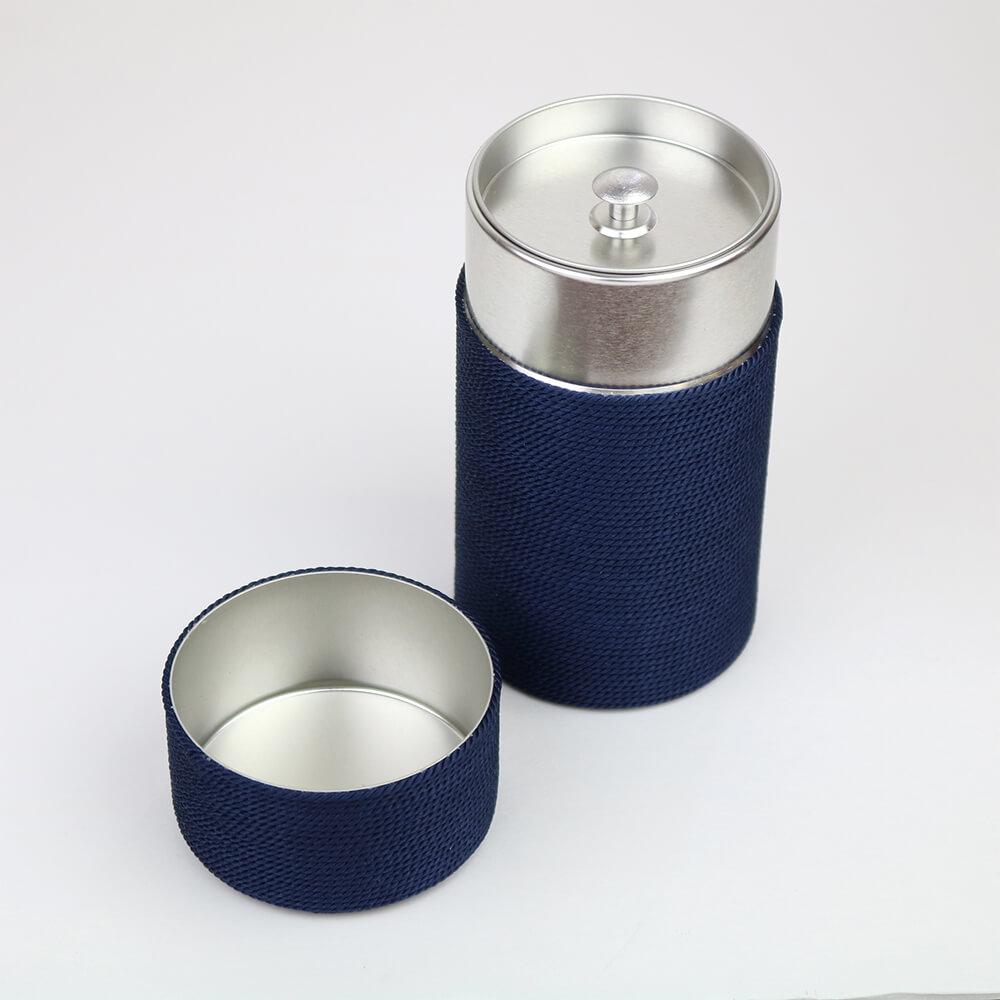 手巻き茶筒 / 正絹 / 紺 [昇苑くみひも]