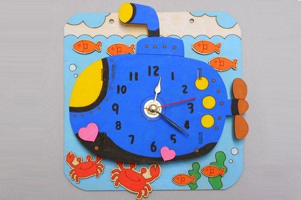 サブマリンボード時計