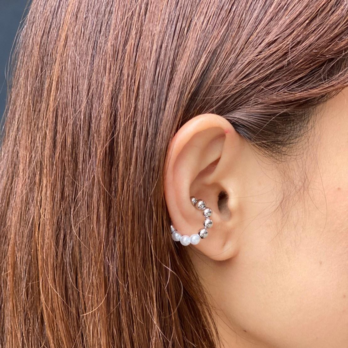 pearl × metal combination ear cuff  silver