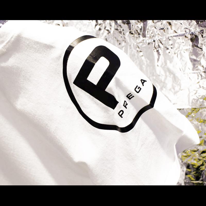 【PREGA】ロゴ入りオリジナルロングTシャツ<ホワイト>