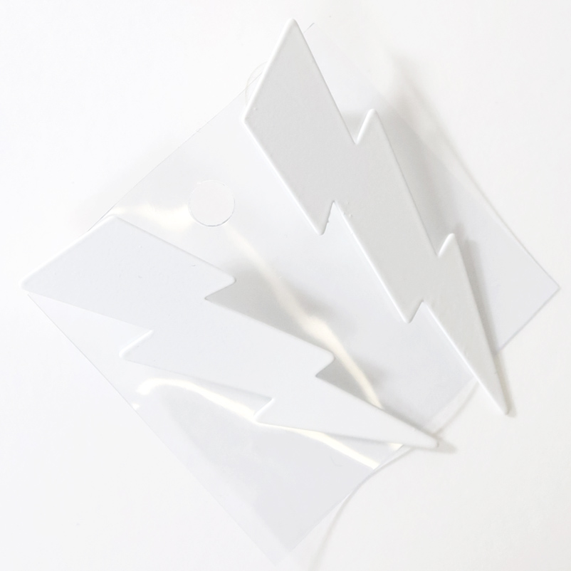 【PREGA】稲妻 ピアス<ホワイト>