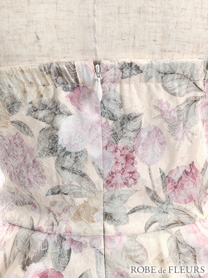 【ROBE de FLEURS】花柄ジャガード×ペプラムストレッチタイトミニドレス