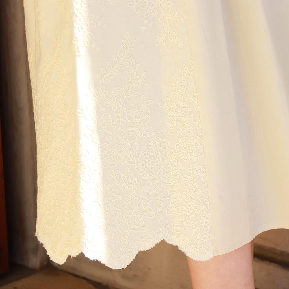 大人フェミニンなレーススカート<br><br>ミディウミソリッド MIDIUMISOLID<br>スカート ロング コットン レースコンビスカート<br><br>オフホワイト ベージュ 白 春 秋 冬 ( 1-160032 )