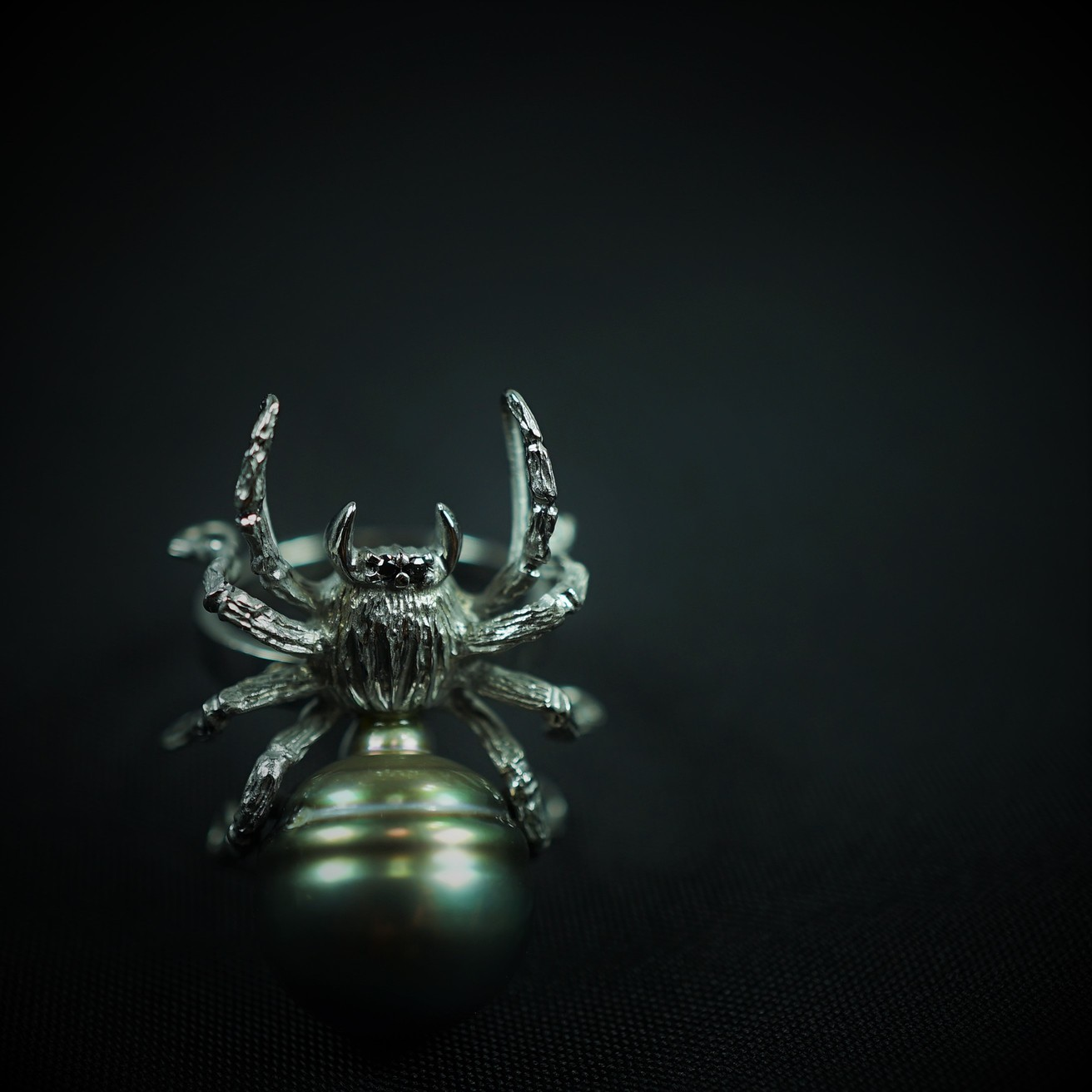 K18WG タヒチパール リング 蜘蛛 黒蝶