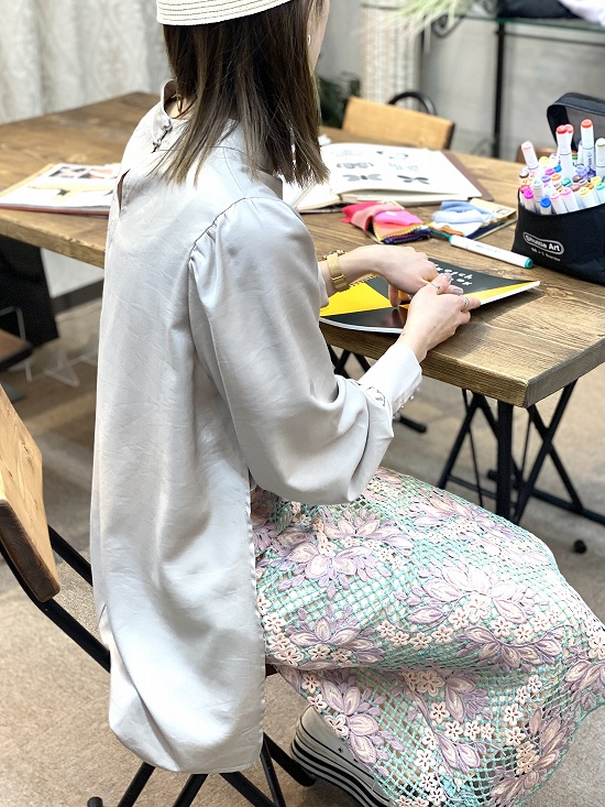 q.b.c メッシュ刺繍スカート