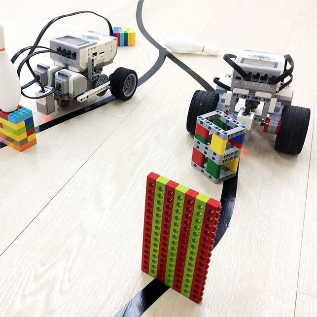 6.機体を組立てプログラミング!ロボットカー障害物レース[新小3〜高校生][秋葉原][18SP]