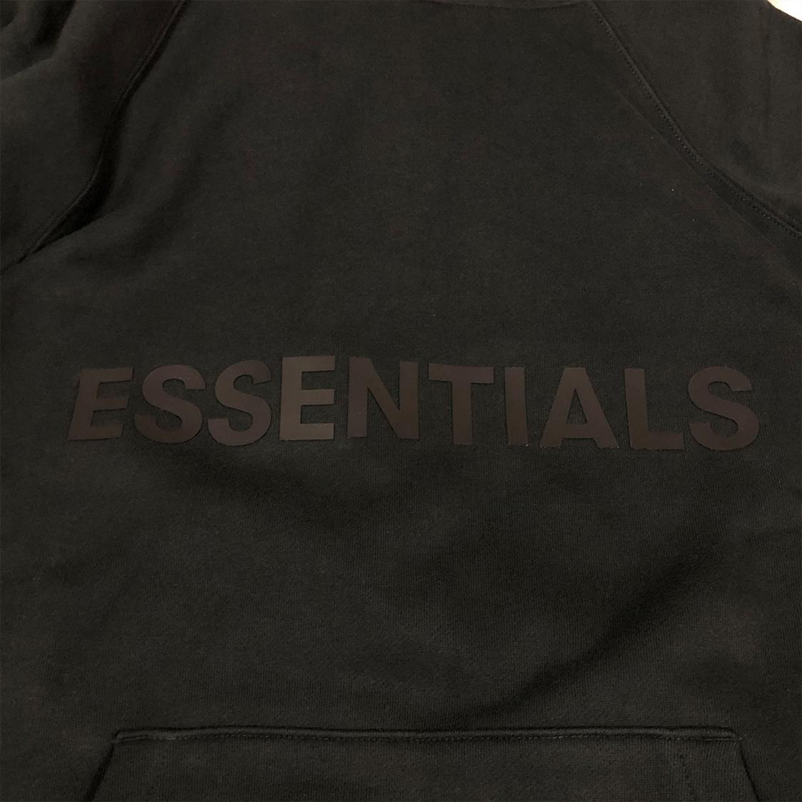 2020新作 新品 FOG Fear Of God Essentials フェアオブゴッド エッセンシャルズ 【Mサイズ】 LOGO パーカー フーディ エッセンシャル BLACK ブラック フォグ【ジェリーロレンゾ着】