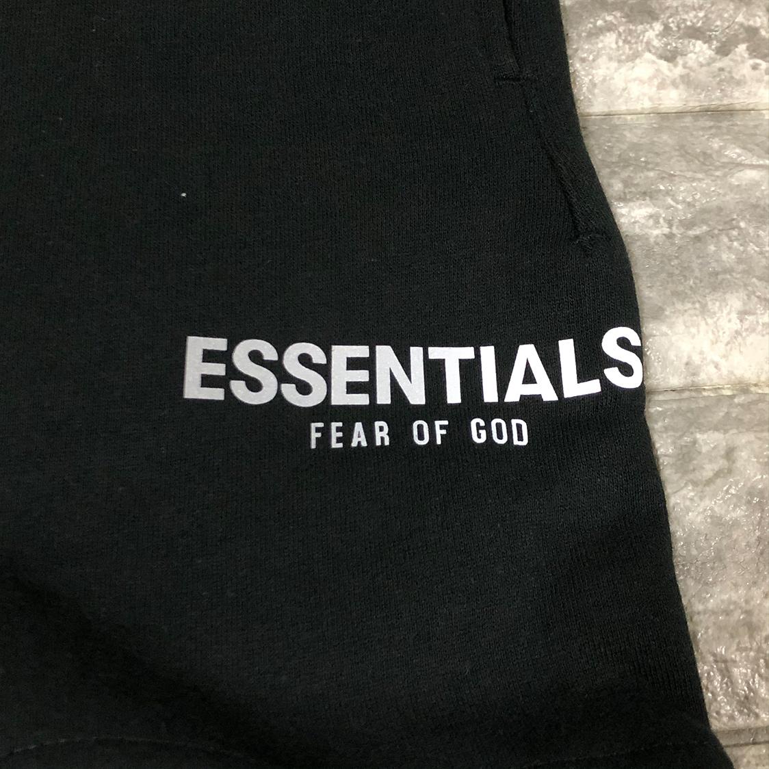 新品 Fear Of God Essentials フェアオブゴッド エッセンシャルズ 【Sサイズ】 リフレクティブ スウェット ショーツ ハーフパンツ ブラック FOG