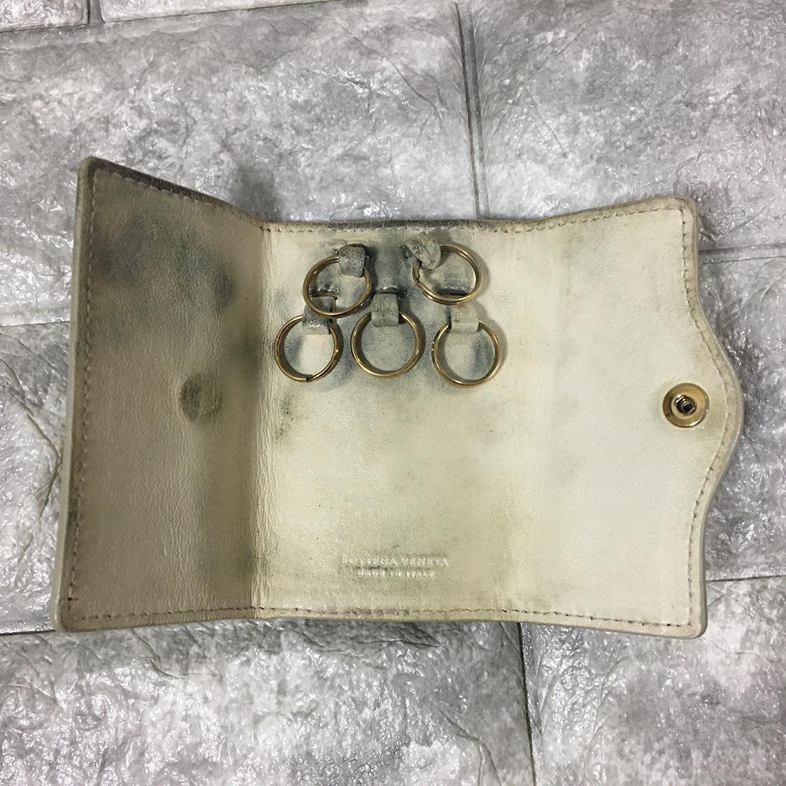 BOTTEGA VENETA ボッテガヴェネタ キーケース - イントレチャート レザー ホワイト 5連フック 財布