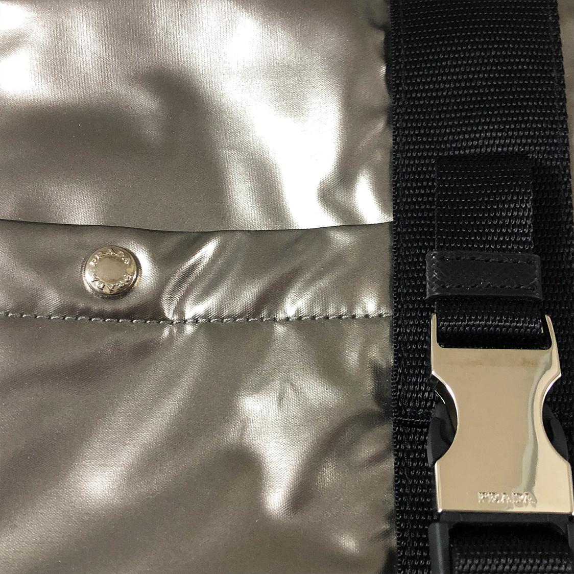新品 国内未発売 PRADA プラダ ボストンバッグ 鞄 シルバー ショルダー 正規品 パリ限定 レア