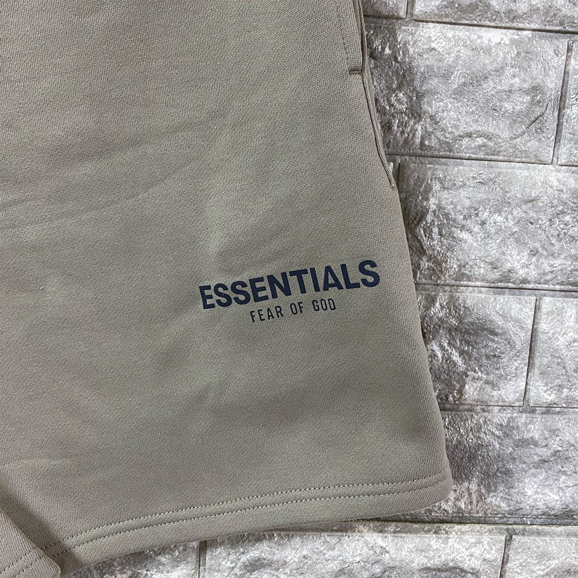 2021新作 新品 Fear Of God Essentials フェアオブゴッド エッセンシャルズ【Sサイズ】 ロゴ スウェット ショーツ ハーフパンツ オリーブ FOG