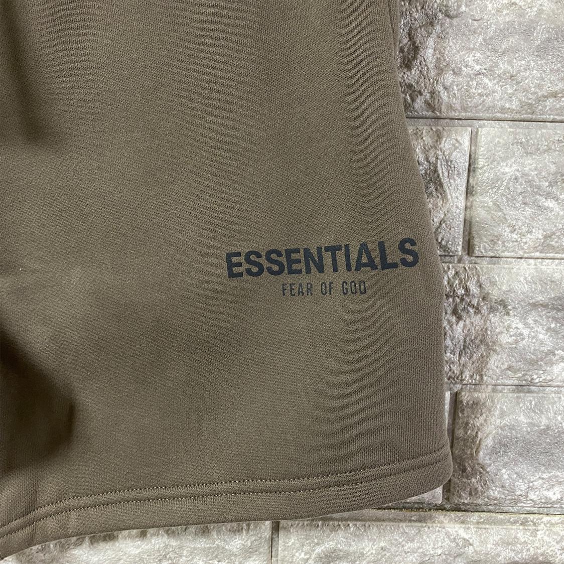 2021新作 新品 Fear Of God Essentials フェアオブゴッド エッセンシャルズ【Sサイズ】 ロゴ スウェット ショーツ ハーフパンツ トープ taupe FOG