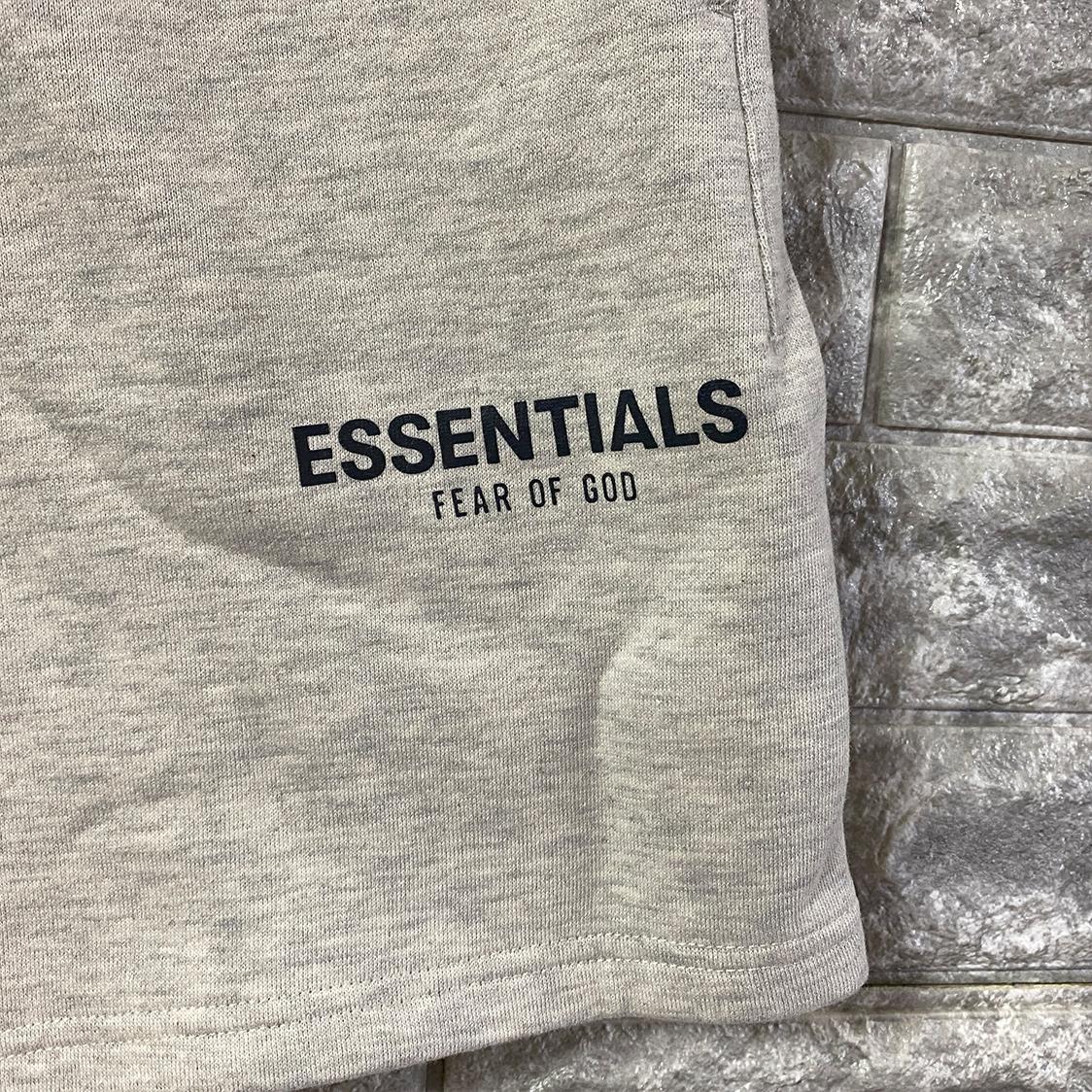 2021新作 新品 Fear Of God Essentials フェアオブゴッド エッセンシャルズ【Sサイズ】 ロゴ スウェット ショーツ ハーフパンツ OATMEAL オートミール FOG