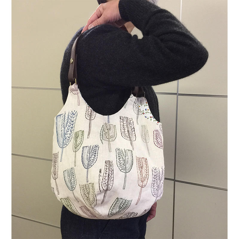 綿麻キャンバスの4枚はぎのバッグ(ロングタイプ)