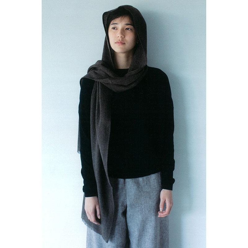 フードつきストール(作り方なし)斉藤謠子のいつも心地のよい服とバッグ掲載
