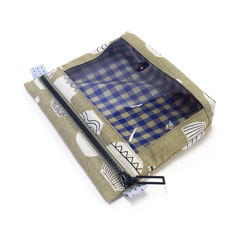 ビニールポーチa(小)(作り方なし)斉藤謠子のいつも心地のよい服とバッグ掲載