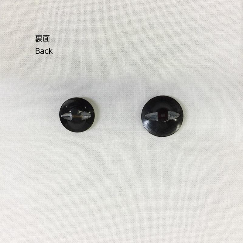 水牛ボタン クロス柄 M
