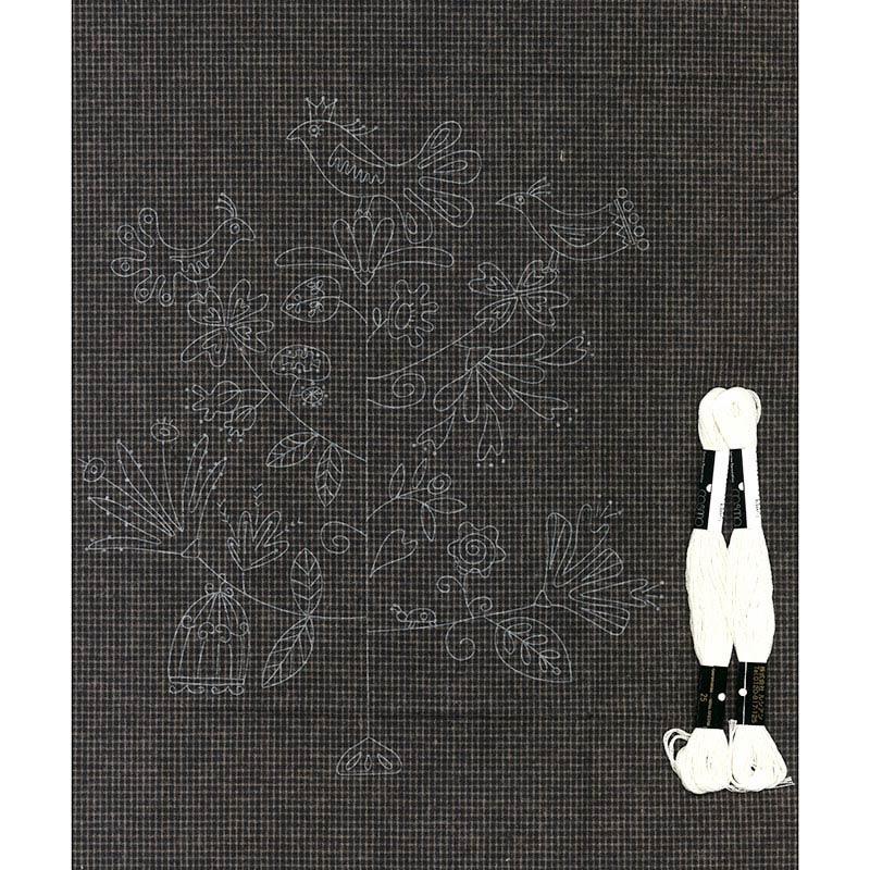 バードツリー 図案が印刷された刺しゅうキット