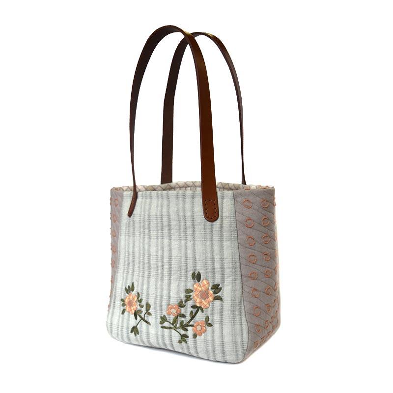 野ばらのアップリケバッグ(作り方なし)私たちが好きなキルトのバッグとポーチ