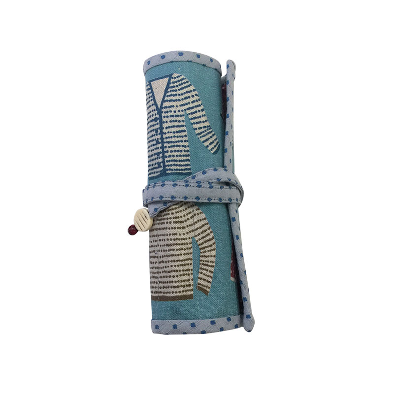 編み針ケース かぎ針ケース(作り方なし)斉藤謠子の いま作りたいシンプルな服とかわいい小物掲載