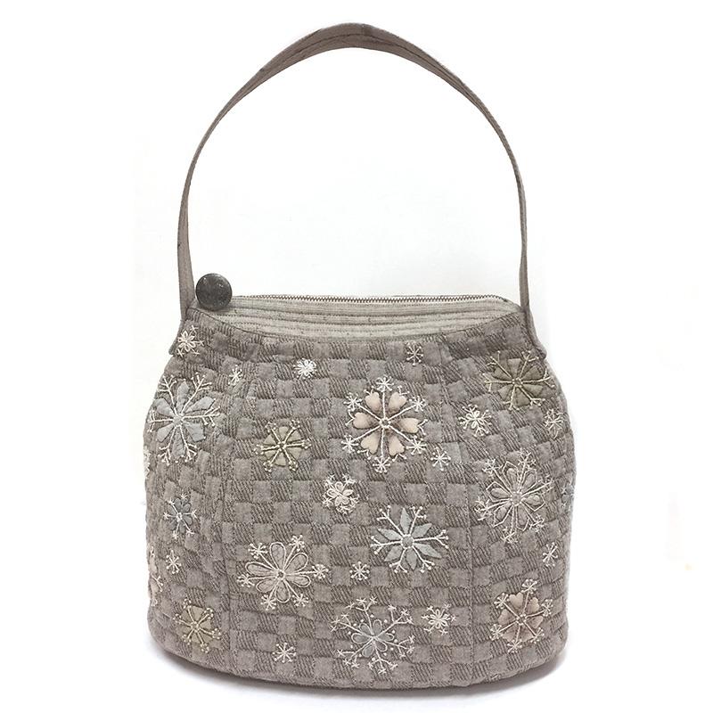 雪の結晶のバッグ