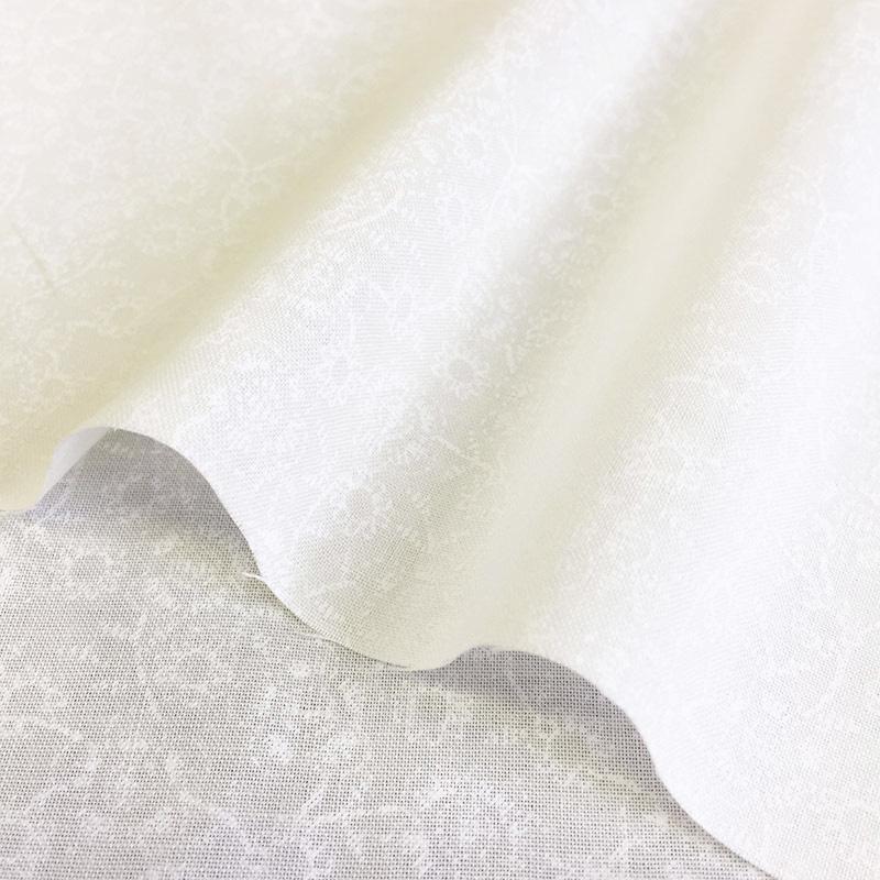 web20200604-01手作りマスクにもおすすめ白地に白柄の爽やかファブリック  10cm  (プレゼント付き)