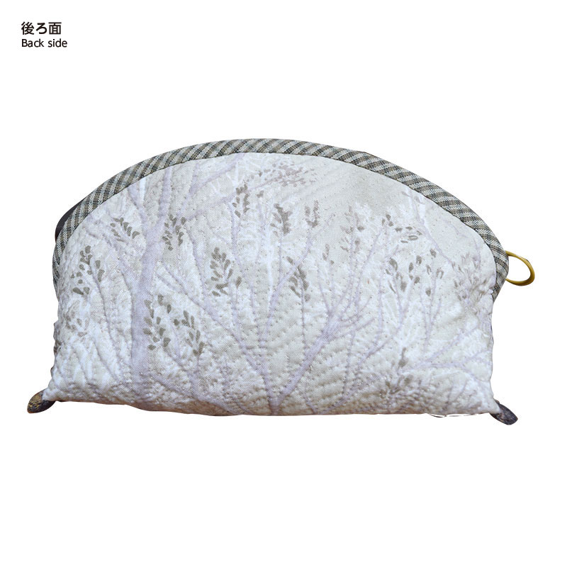 ふくろうのポーチ(作り方なし) 布で描くいきものたち掲載