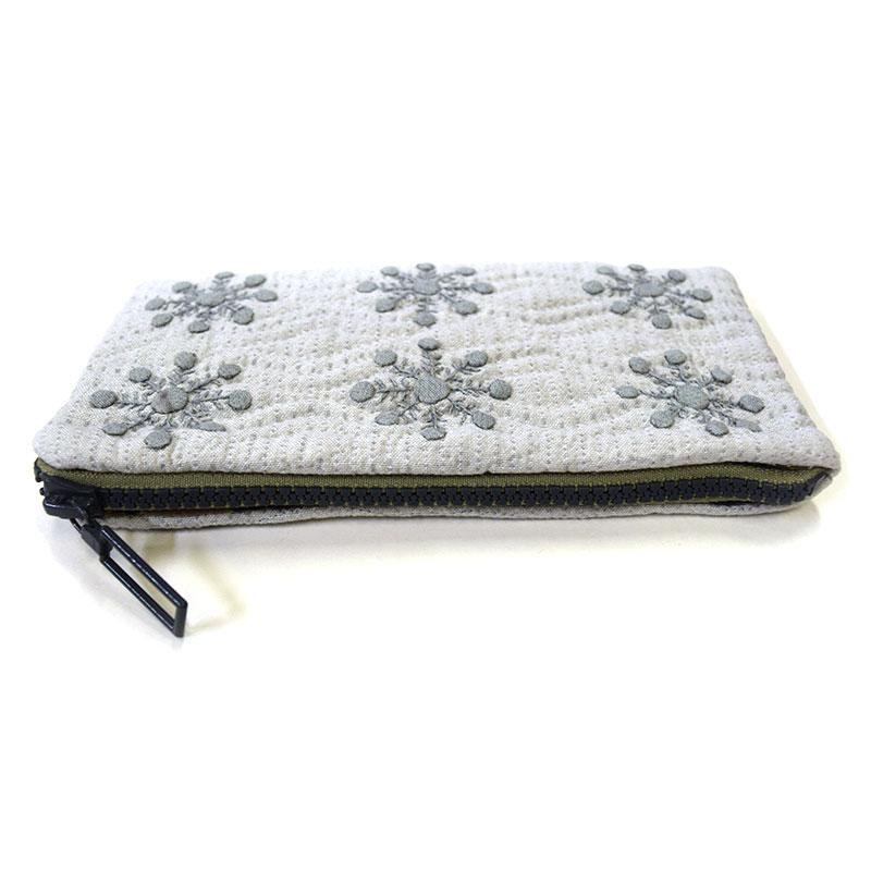 雪の結晶のペンケース(作り方なし)私たちのキルト掲載