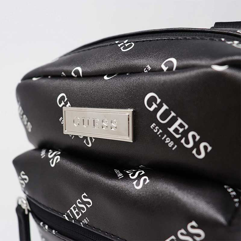 【GUESS】 ボディバッグ SP703191