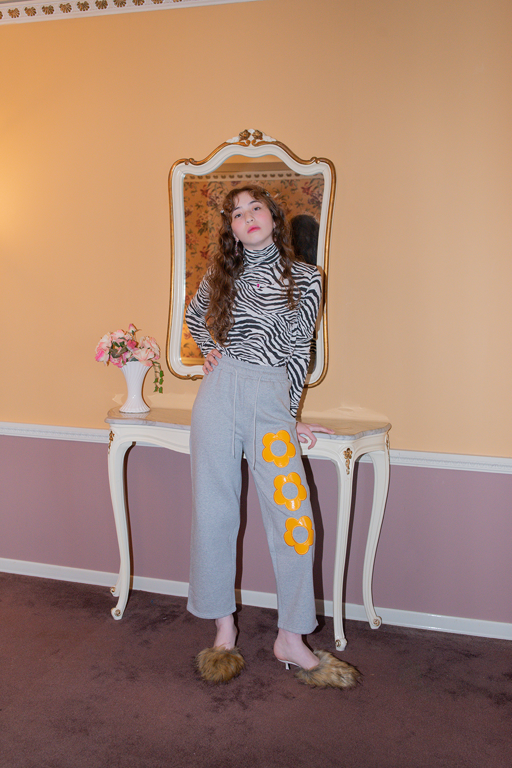 (GRAY) FLOWER PATCH PANTS