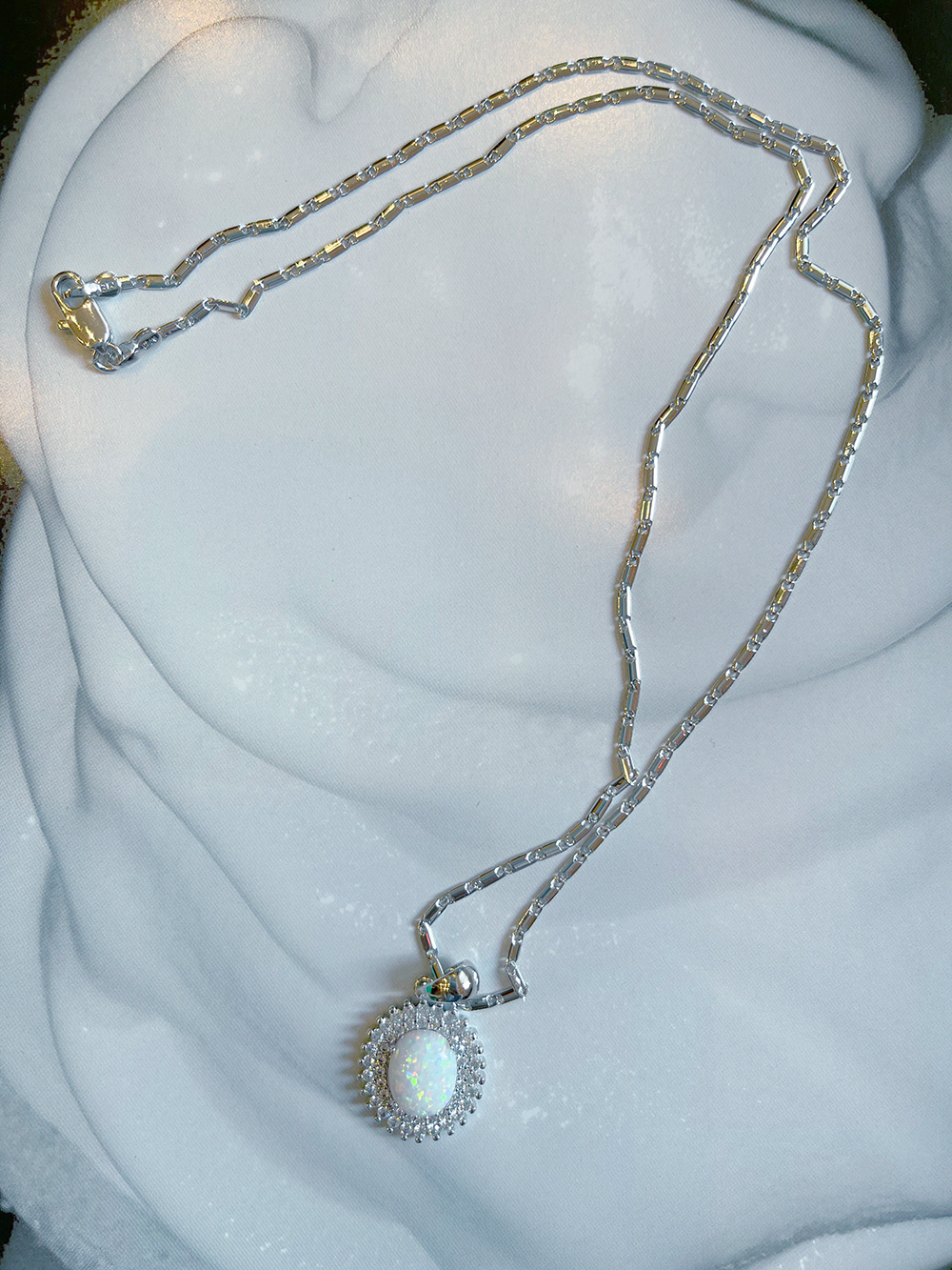 opal silvery  necklace