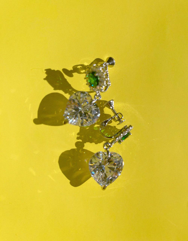 emerald heart earring & pierce