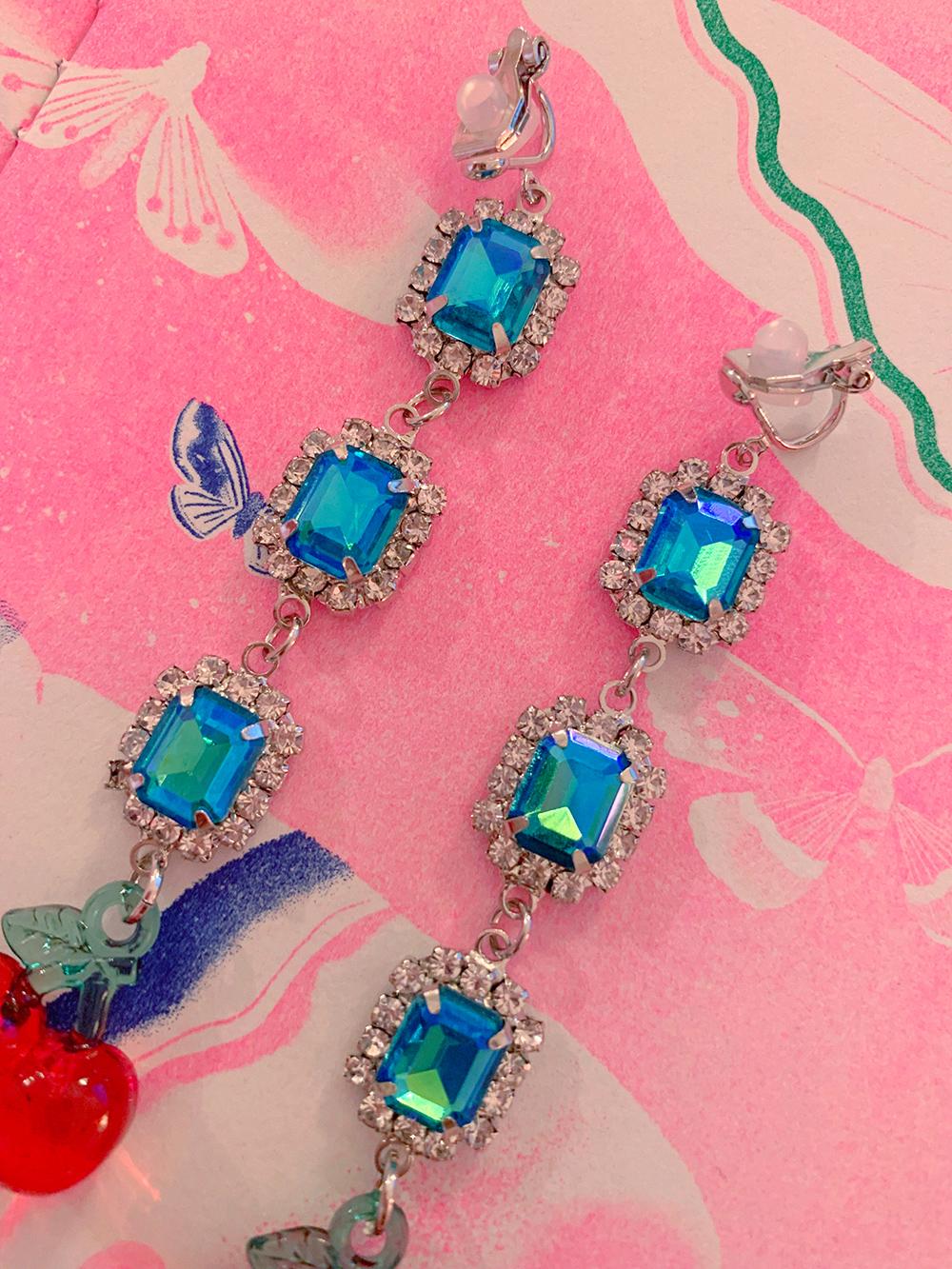 BLUE DROP CHERRY EARRING & PIERCE