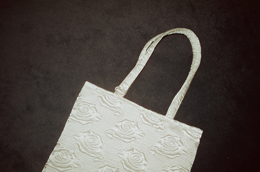 (再入荷 )heart charm rose quilting bag