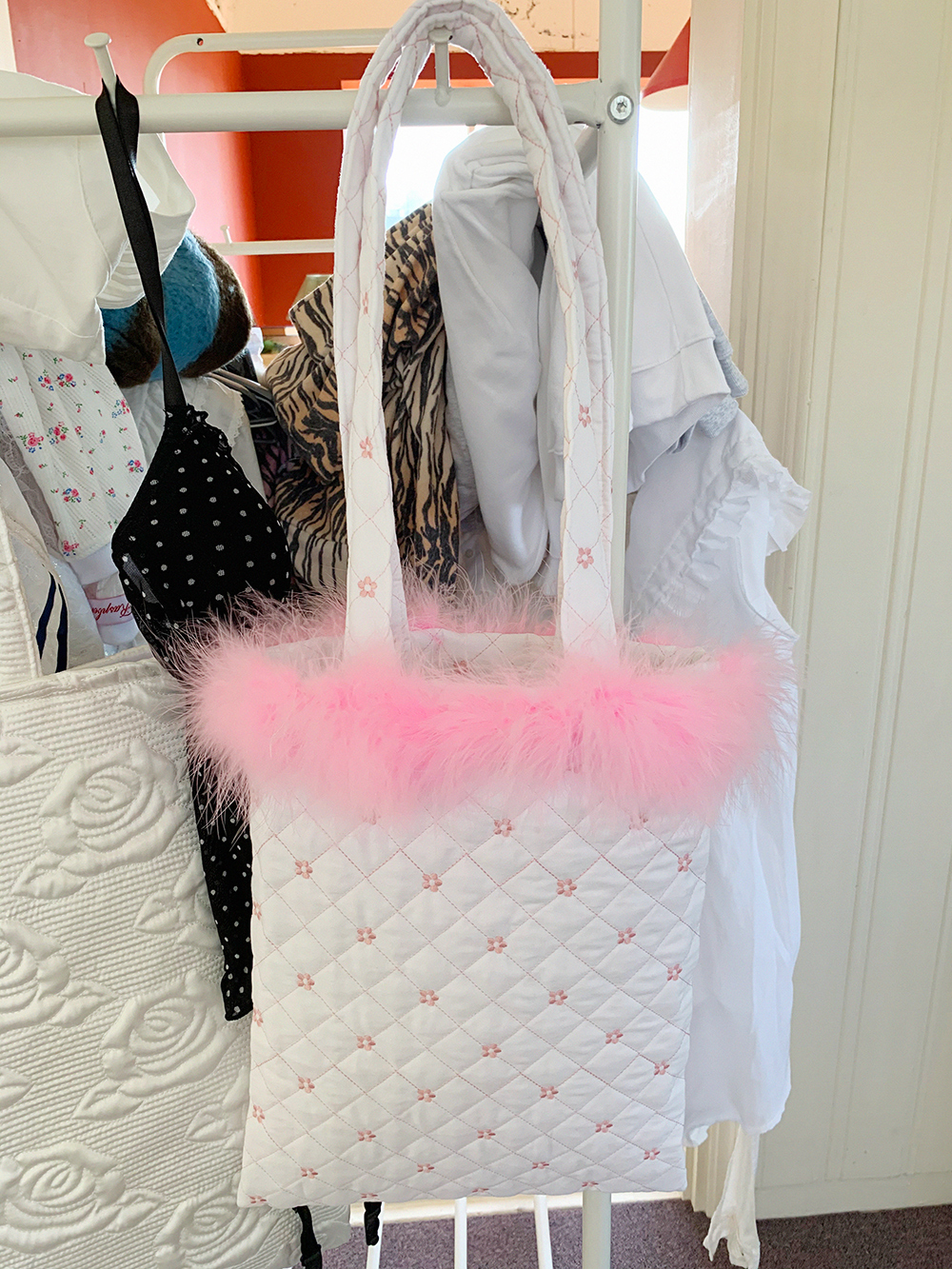 feather quilting bag