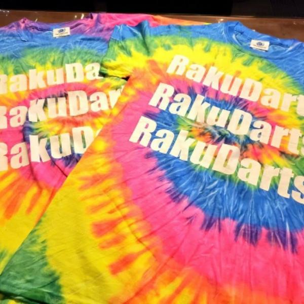 Raku Darts(ラクダーツ) [アパレル] レインボーTシャツ
