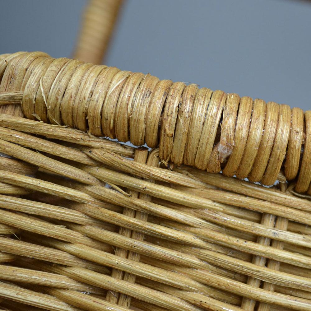 ラタンバスケット ふち付き 一本手 四角  ベトナムラタン ニス仕上げ ピクニック バスケット ラタン かご バッグ おしゃれ アウトドア キャンプ 収納 ハンドメイド 可愛い 籠 夏カゴ ギフト ディスプレイ