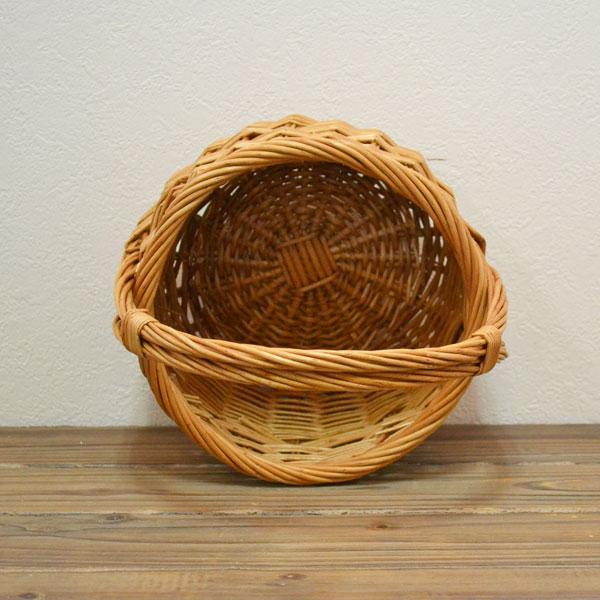 ウィッカー ラウンドバスケット Sサイズ ディスプレイ プレゼントに ピクニックバスケット 小物入れやソーイングケースとして 結婚式のかご パーティー用バスケット  持ち手付 軽い 柳 可愛い 小物収納 ナチュラル バケット入れ 収納