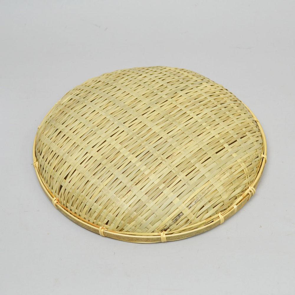 ござ目 干しざる 浅型 Lサイズ 皮竹材料 竹製 手作り 野菜 海産物 天日干し ザル 直径33cm 通気性 丈夫 エコ 自然素材 ナチュラル 清潔 おやつ ベトナム製 果物 盛り皿 日本の道具 日用品 普段使い 使い方様々