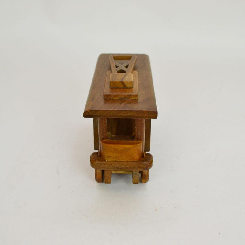 ウッドビークル 路面電車 木製 乗り物 おもちゃ 木の車