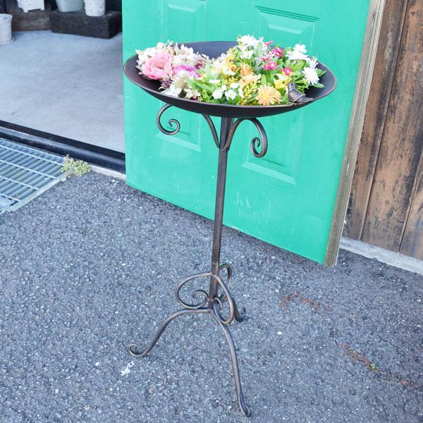 バードフィーダー えさ台 餌入れ アイアン 野鳥 お庭に野鳥を呼んで シンプル アンティーク風 餌箱 庭 ガーデン 玄関 バードガーデン 癒しの庭 welcome ディスプレイ