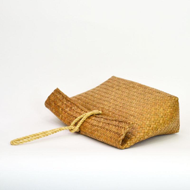 カチュー クラッチバッグ かごバッグ 天然素材 水草 手作り