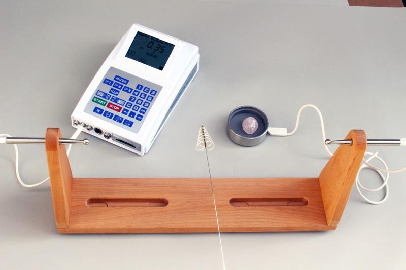 関係づけテスト用木製スタンド