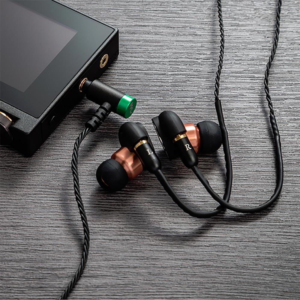"High-Spec earphone cable  ""Cantabile"" for クラシック ハイスペック イヤホンケーブル 3.5mm 4極 アンバランスプラグ ブラック カンタービレ CP-35MMRC1/B"