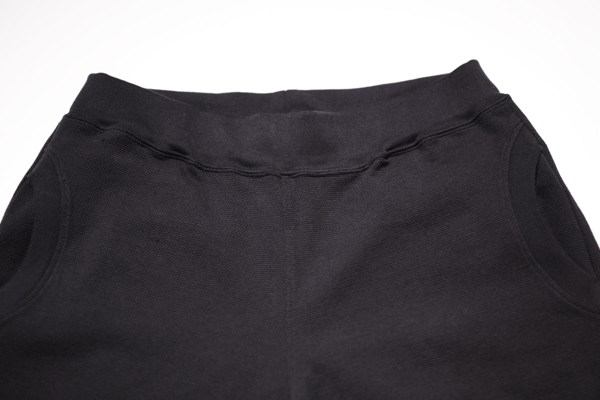 No fuzzing moss stitch trousers (black navy) ガス焼き鹿の子トラウザー